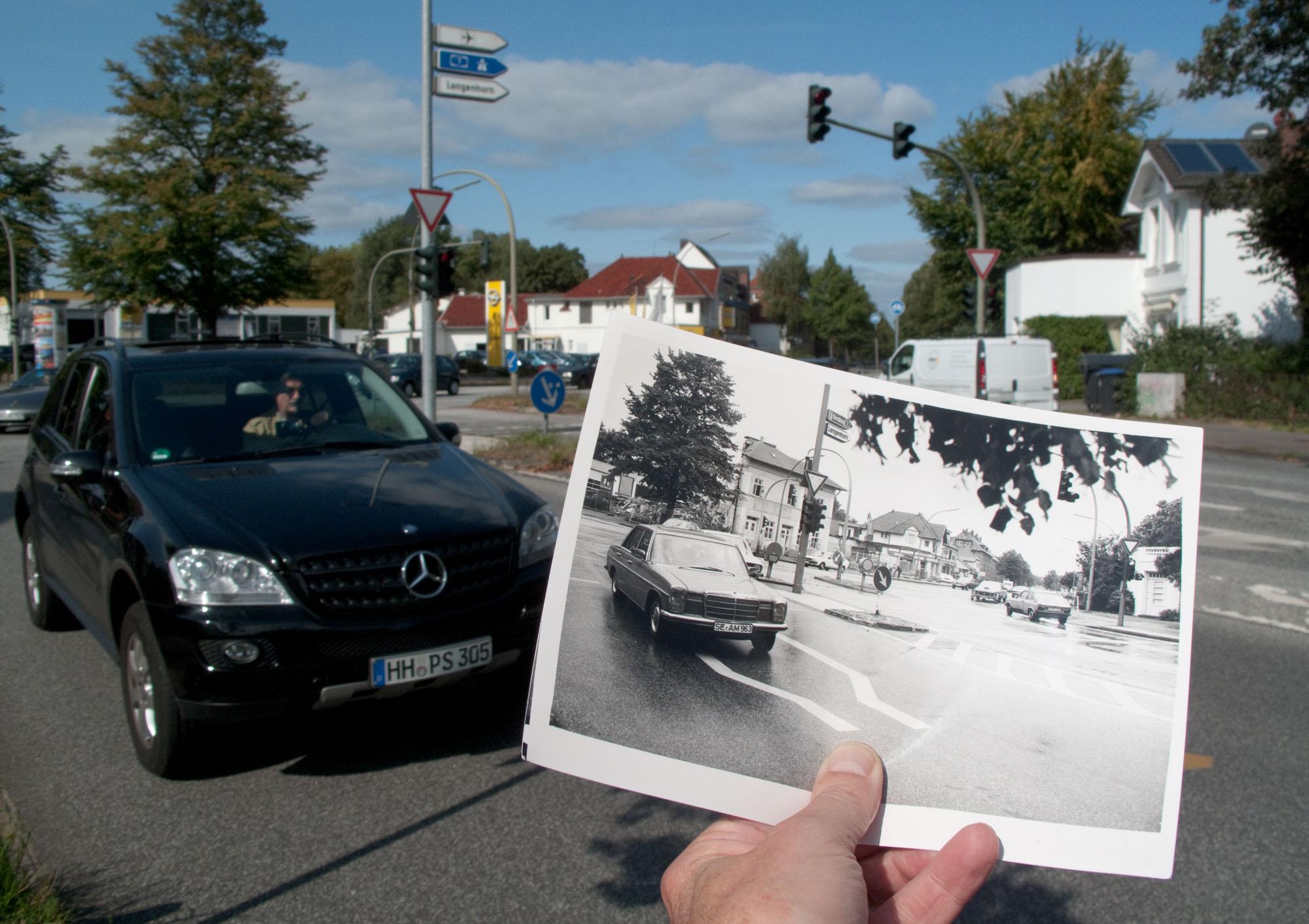 Foto Mercedes SUV und Mercedes-Benz /8 auf dem Erdkampsweg, Hamburg